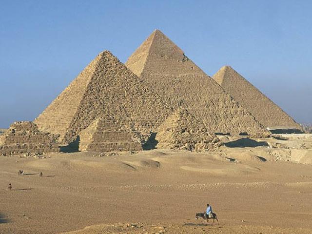 Đại kim tự tháp Ai Cập do nền văn minh khác xây dựng?