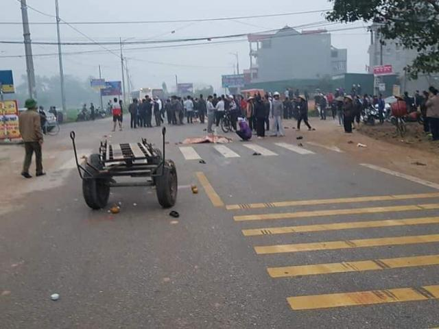 Xe khách đâm thẳng vào đoàn người đưa tang, 7 người tử vong