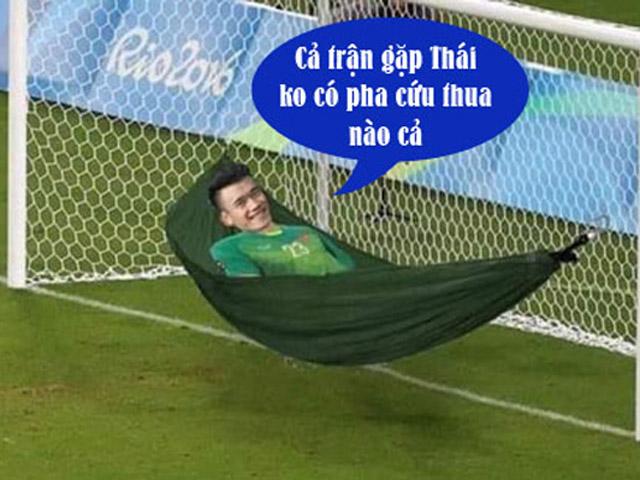 """Thủ môn Bùi Tiến Dũng tiếp tục """"mất tích"""" trong trận thắng Thái Lan"""