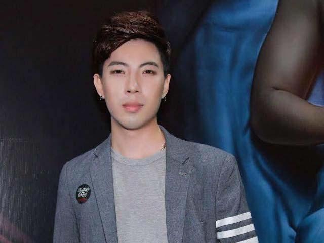 Đêm nhạc cuối của nam ca sĩ Việt 27 tuổi mắc ung thư tuyến giáp, mắt mờ dần
