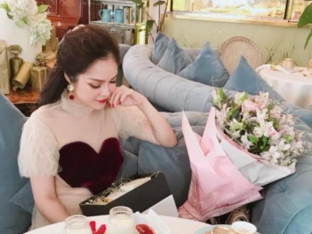 """""""Người đẹp được tặng hoa 3 triệu/ngày"""" tiết lộ thu nhập sau ly hôn chồng Việt kiều"""