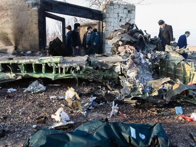Hành động lạ của Iran trong vụ rơi máy bay Ukraine chở 176 người