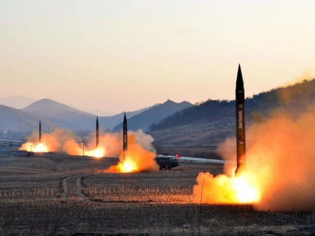 Bị quốc tế dồn ép vì bắn rơi máy bay, Iran sẽ có bom hạt nhân trong năm nay?