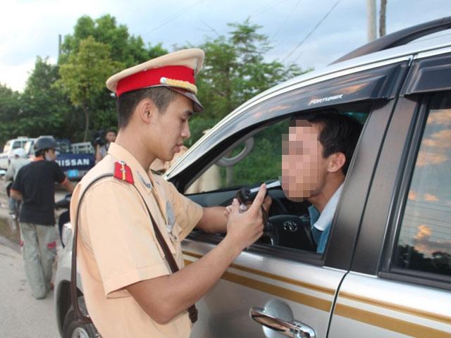 Phó Chủ tịch tỉnh Thái Bình phạt lái xe ô tô vi phạm nồng độ cồn 35 triệu đồng