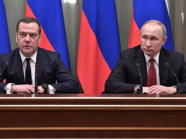 Thủ tướng và toàn bộ chính phủ Nga từ chức, Putin toan tính điều gì?