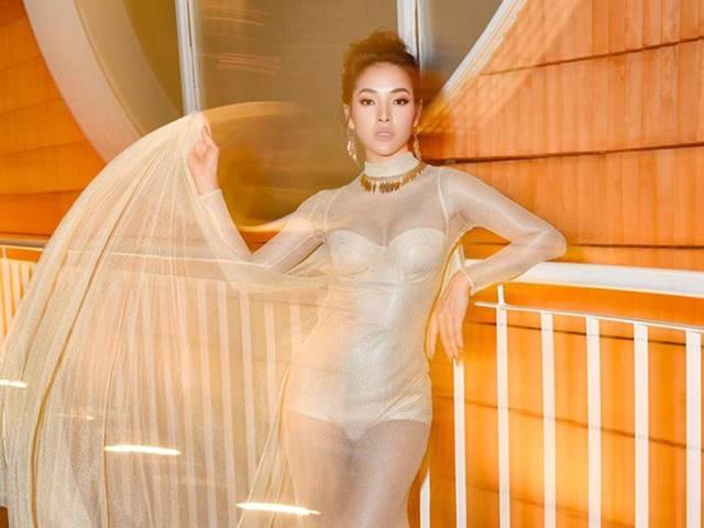 """Stylist xé áo, cắt váy của """"ca sĩ An Giang chỉ yêu ai kiếm 100 triệu/tháng"""""""