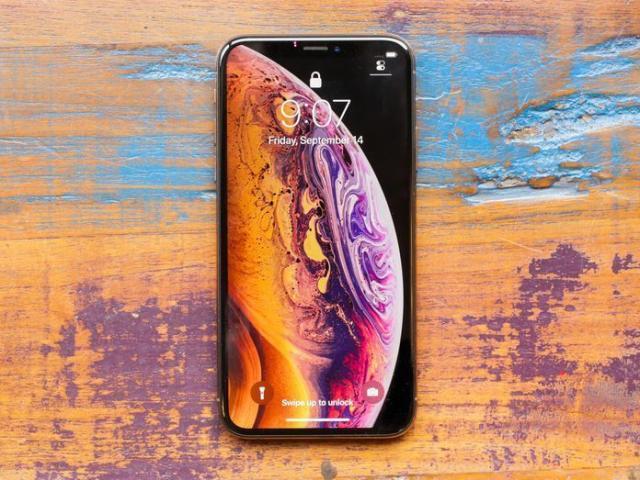 Không đủ tiền sắm iPhone 11, có nên chọn mua iPhone XS để chơi Tết?