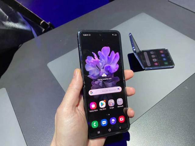 Cận cảnh Galaxy Z Flip: Smartphone màn hình gập có giá vô đối hiện nay