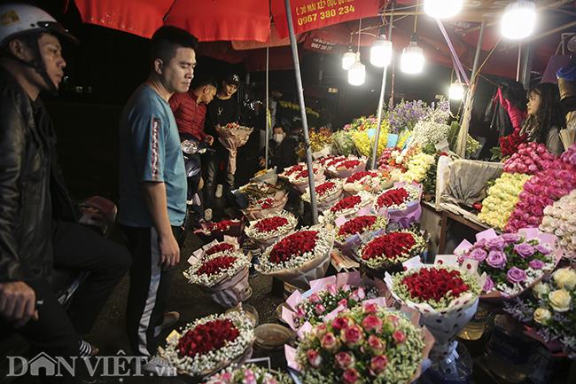 nhieu cua hang, cho hoa e am trong ngay valentine vi virus corona hinh anh 8