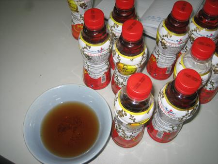 Nước uống Dr Thanh bị phát hiện có nhiều cặn.