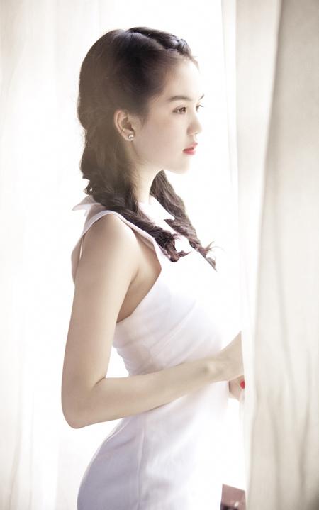 Stylist:Đỗ LongMake up:Phan Dũng Hair:MiseoCostume:NTK Kim Khanh