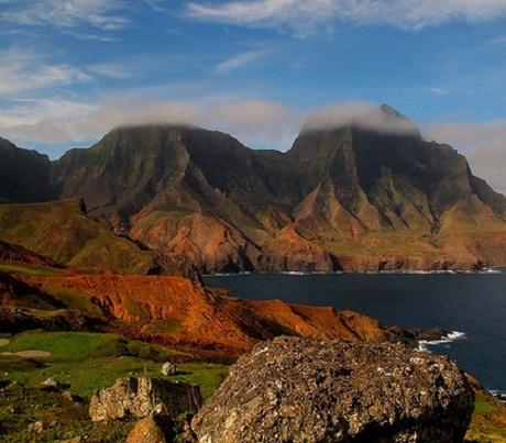 Đảo Jicaro đặc trưng với những rặng cọ và những mái nhà tranh.