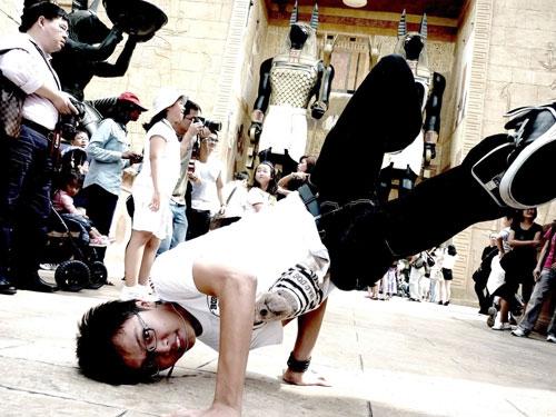 Màn biểu diễn hip hop điêu luyện của Lâm - Ảnh: nhân vật cung cấp