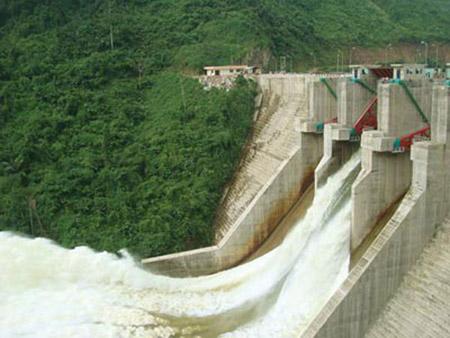 Việc tranh chấp nguồn nước giữa thủy điện và người dân đang rất khốc liệt (ảnh minh họa).