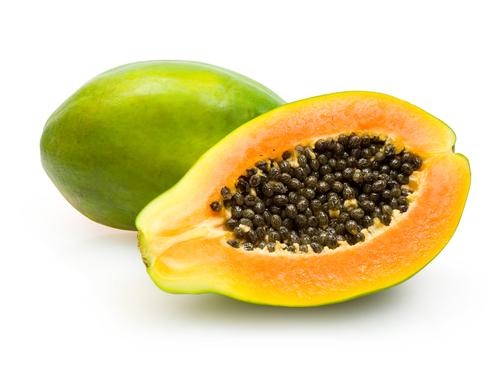 Đu đủ mùi vị thơm ngon và có nhiều công dụng trị bệnh. Ảnh: Shutterstock.