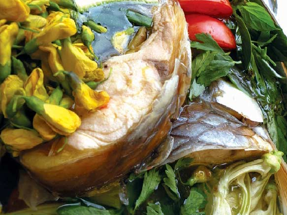 Lẩu ngót cá cóc ở nhà hàng Làng nướng Nam bộ, quận 3, TP.HCM.