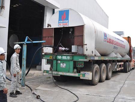Xuất sản phẩm ethanol, tại Nhà máy Bio ethanol Dung Quất,  KKT Dung Quất.
