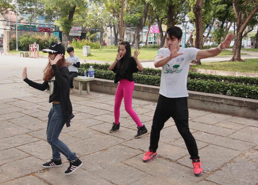 Trương Nam Thành cùng Tam Triều Dâng tập luyện trước Ngày trái đất