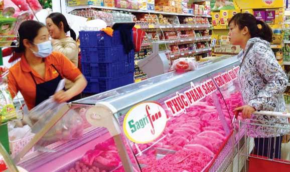 Thịt sạch bán ở siêu thị. Ảnh: Cẩm Tú