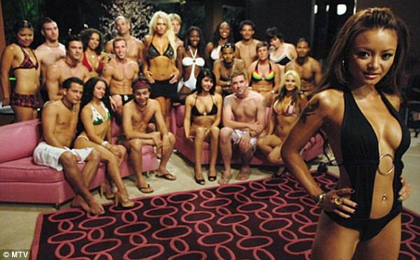 Tina Tequila trong chương trình A Shot At Love.