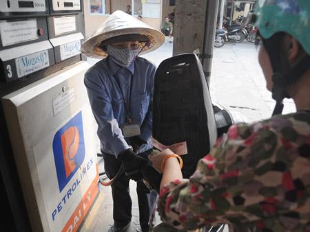 Tới đây, doanh nghiệp có thể được trao quyền tự quyết về giá xăng dầu (ảnh minh họa).
