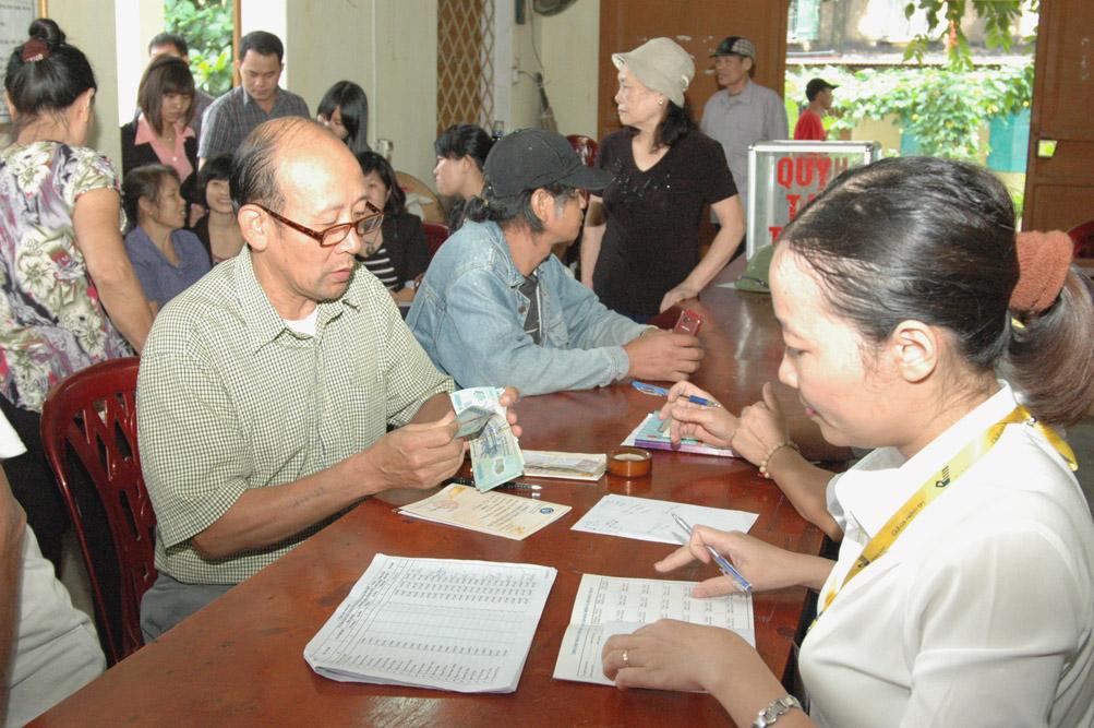 Theo dự thảo Luật BHXH sửa đổi, tuổi nghỉ hưu của người lao động sẽ được nâng lên: Nữ 60 và nam 62 (ảnh minh họa).