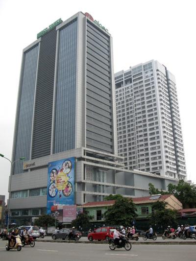 Tòa nhà Mipec, nơi xảy ra vụ tai nạn thương tâm vào chiều 24.4.