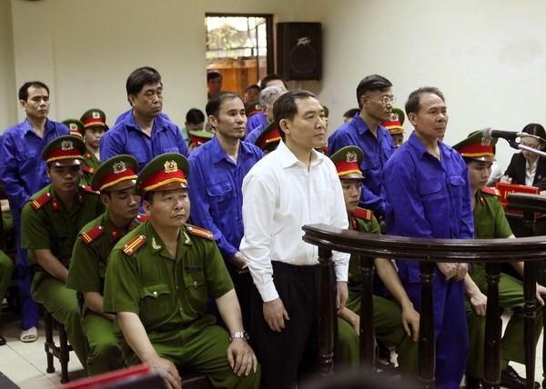 Các bị cáo tại phiên tòa phúc thẩm. Ảnh: TTXVN.