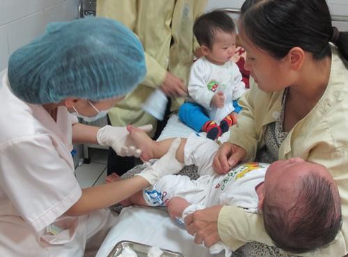 Số trẻ mắc sởi vào các bệnh viện có xu hướng giảm.