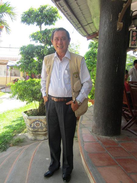 Ông Trần Trinh Đức con Công tử Bạc Liêu Trần Trinh Huy, hiện đang làm việc tại nhà Công tử Bạc Liêu. Ông là nhân chứng sống biết khá nhiều về cha mình.
