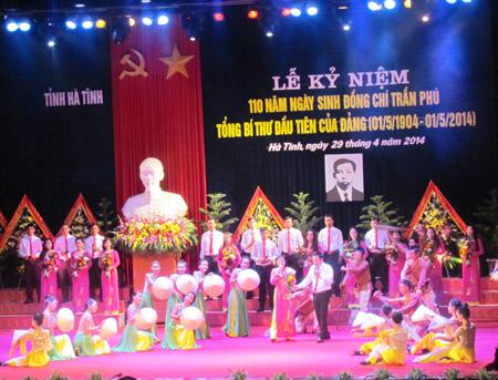 Văn Nghệ chào mừng lễ kỷ niệm 110 năm ngày sinh cố tổng Bí thư Trần Phú