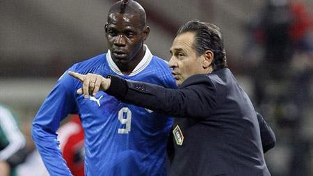 Nếu cần thiết, Prandelli sẵn sàng gạch tên Balotelli