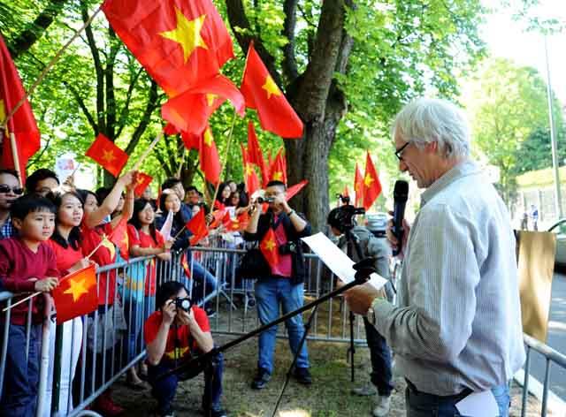 Bá tước De Crombrugghe của vùng Namur, miền nam nước Bỉ phát biểu ủng hộ Việt Nam