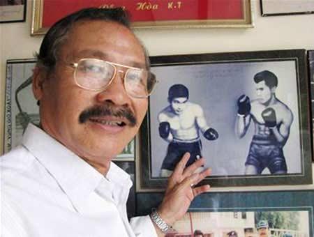 """Võ sư, NSND Lý Huỳnh – một trong """"tứ tú"""" của võ thuật miền Nam từng thách đấu với ngôi sao võ thuật Lý Tiểu Long năm 1970. (nguồn tinngan.vn)"""