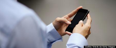 Luật cấm bẻ khóa điện thoại gây tranh cãi lớn trong người dân Mỹ