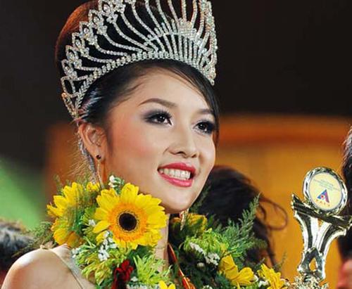 Triệu Thị Hà nổi tiếng hơn sau vụ trả vương miện.