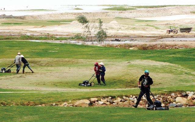 Sẽ có 9 sân golf được đưa ra khỏi danh mục xây dựng.