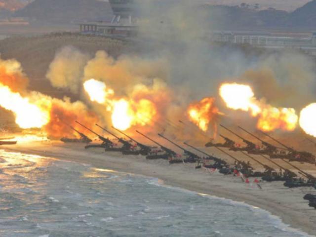 Triều Tiên khai hỏa pháo binh, cho Mỹ 2 lựa chọn đầu hàng