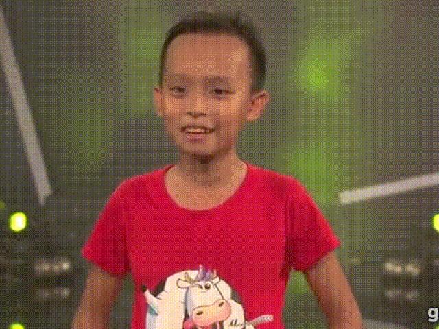 """Cuộc sống """"một bước lên tiên"""" của cậu bé được Phi Nhung nhận nuôi"""
