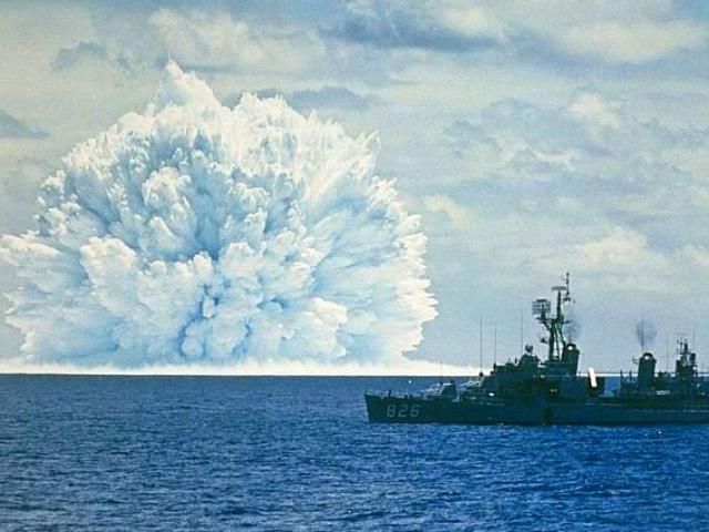 """Siêu ngư lôi """"thần biển"""" Nga có thể tạo sóng thần 100m, nhấn chìm TP Mỹ"""