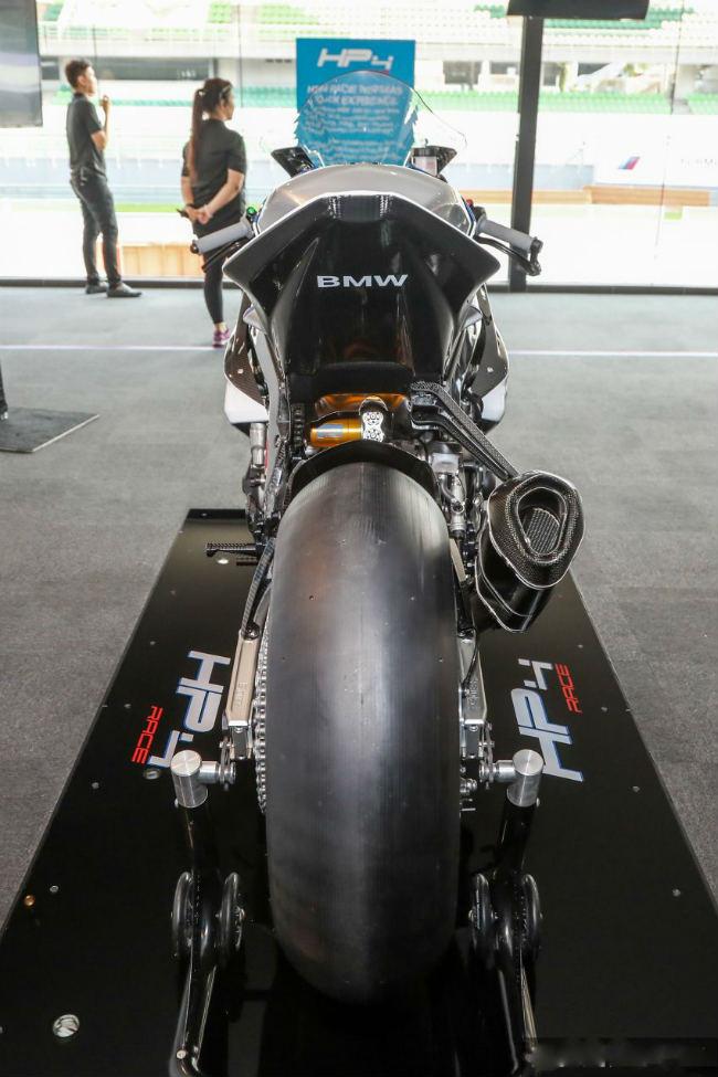 ngam tuyet pham 2018 bmw motorrad hp4 race gia 2,8 ty dong hinh anh 7