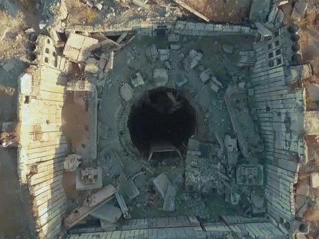"""Khám phá """"nghĩa địa"""" tàu con thoi khổng lồ ở Nga"""