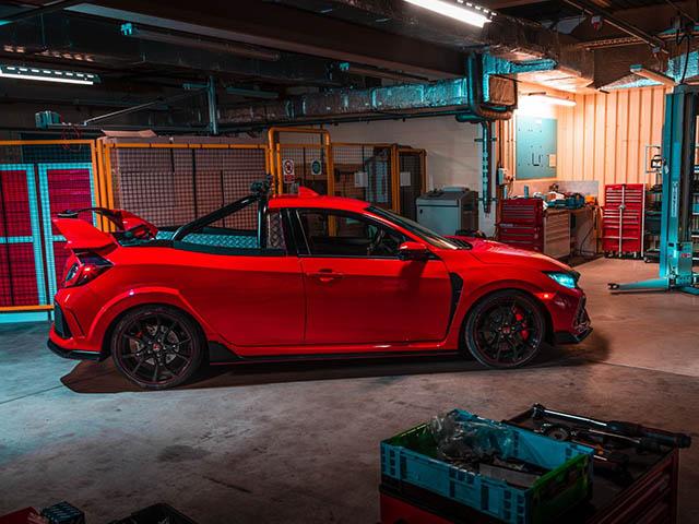 """Honda Civic độ bán tải """"khủng"""" nhất thế giới"""