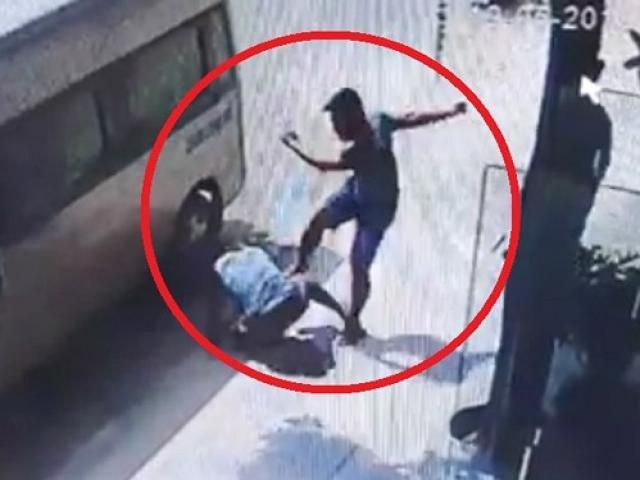 Tài xế bị đánh vì nghi không đưa khách vào khách sạn