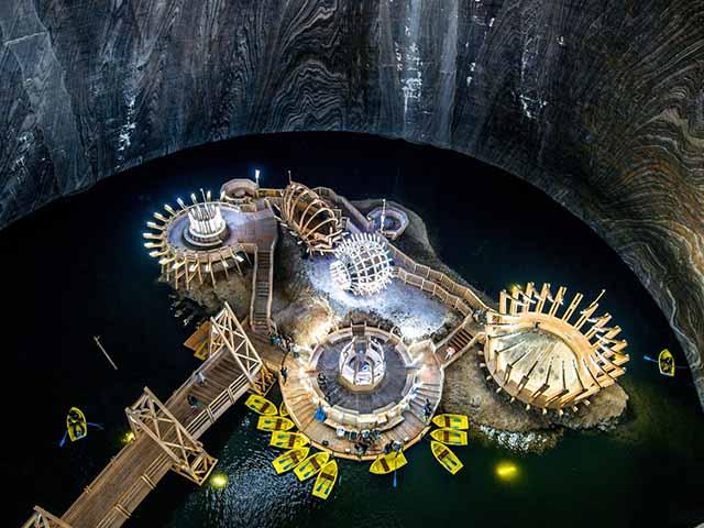 Công viên giải trí hình thành từ mỏ muối sâu trăm mét dưới lòng đất
