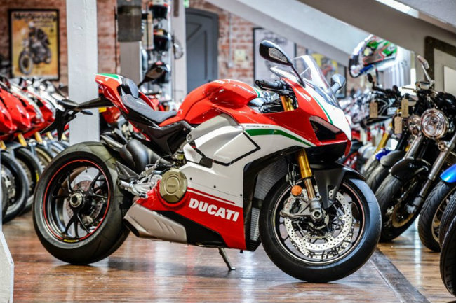 choang ngop ducati panigale v4 speciale ve viet nam gia 2 ty dong hinh anh 1
