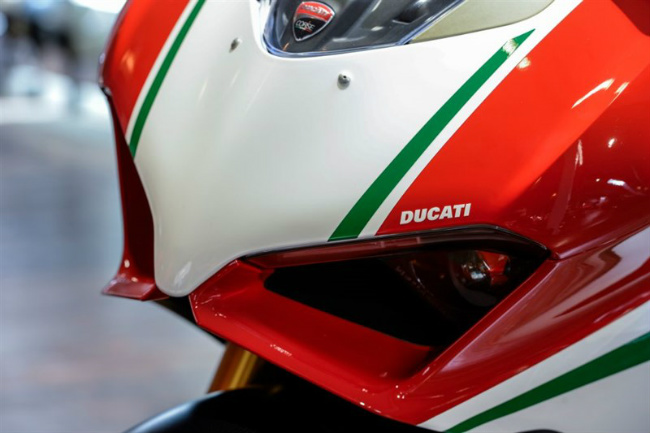 choang ngop ducati panigale v4 speciale ve viet nam gia 2 ty dong hinh anh 14