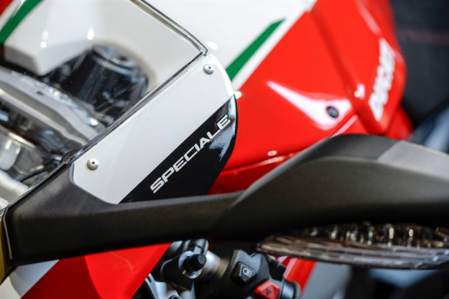 choang ngop ducati panigale v4 speciale ve viet nam gia 2 ty dong hinh anh 17
