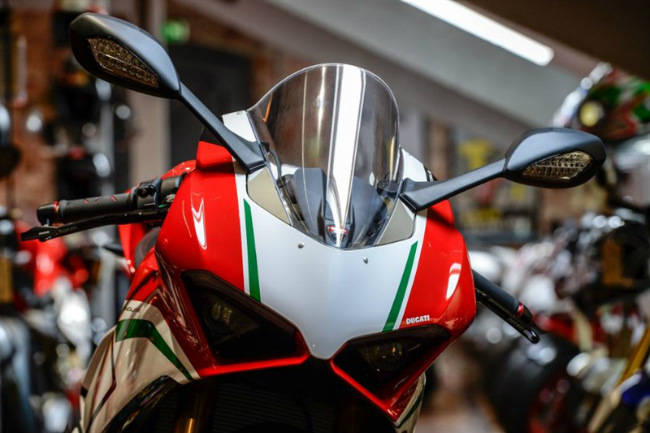 choang ngop ducati panigale v4 speciale ve viet nam gia 2 ty dong hinh anh 18
