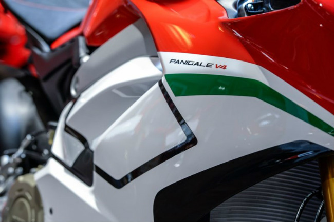 choang ngop ducati panigale v4 speciale ve viet nam gia 2 ty dong hinh anh 20